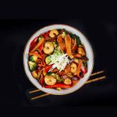 Tallarines de gambas y verduras
