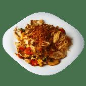 Makaron ryżowy smażony z kurczakiem