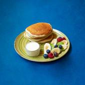 Pancakes z owocami sezonowymi