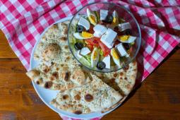 Salată Românească