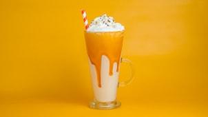 Karamela milkshake