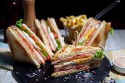 Meniu club sandwich clasic