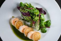 Салат з тигрових креветок з гребінцем (210г)