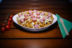 Chicken sausage poutine Large