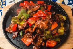 Жаровня с овощами филе телятины (350г)