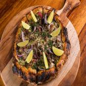 Pizza steak carnitas pastor ( 8 porciones )