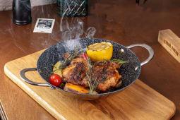 Цыпленок с тремя видами картофеля
