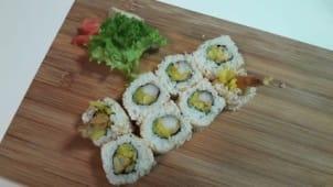 Uramaki krewetka tempura