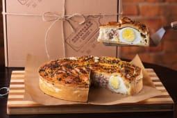 Пиріг з тунцем, яйцем та рисом (1300г)