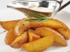Картопля по-селянськи (200/30г)