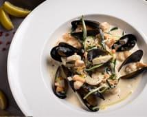 Соте з морепродуктами у вершковому соусі (350г)