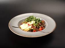 Салат теплий з курячою печінкою та грушею (250г)