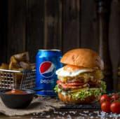 Бургер сет з телятиною, яйцем, беконом, картопля, соус BBQ, Pepsi