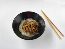 Китайська локшина зі свининою (200г)