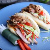 Бао-бургер зі свининою сувід (200г)
