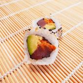 Spicy atún crunch roll (8 uds.)