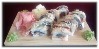 Uramaki Passion Dragon roll sake