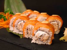 Uramaki Salmone Cotto Roll