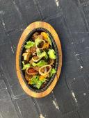 Телятина з овочами запечена в сковороді (200г)