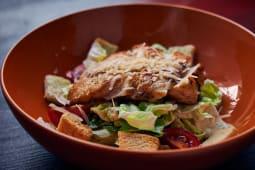 Салат з курячим стейком (250г)