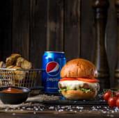 Дитячий Бургер з телятиною, картопля, соус BBQ, Pepsi