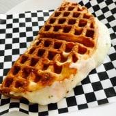 Waffle salado especial