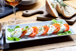 Salata Caprese + foccacia