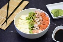 Sushi salad salmón, langostinos, palta y Philadelphia