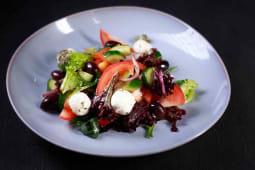 Овочевий салат з крем-сиром (250г)