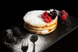 Pancakes con zucchero a velo
