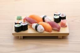Sushi mixto (12 uds.)