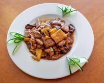 82. Carne de Vaca com Bambu e Cogumelos Chineses