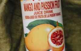 Натуральний тропічний напій зі смаком манго та маракуйі
