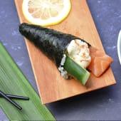 Temaki salmón, langostino y pepino (1 ud.)