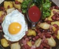 Пательня з яйцем та шпондером (550г)