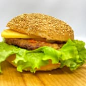 Бургер з курячою котлетою (300г)