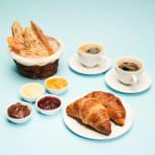 Śniadanie Charlotte dla Dwojga z kawą