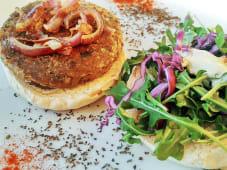 Hambúrguer Vegan em Pão de Caco