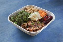 Bowl de cous cous con verdura y carrilleras