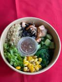 Боул салат с сёмгой