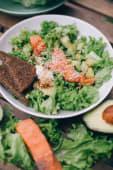 Салат філадельфія з лососем (350г)
