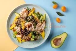 Салат з вугром і авокадо (160г)