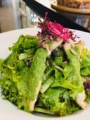 სათმის სალათი მაწვნის სოუსით