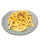 Картопля фрі з сирним соусом та крихтою бекону