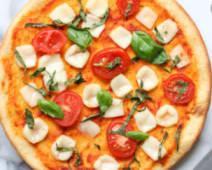 Magherita basilico Pizza