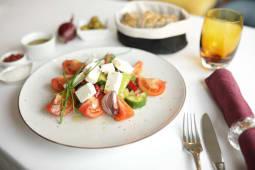 Salata greceasca reteta traditionala