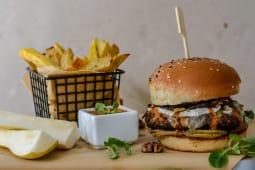 Posh Burger + garnitura