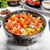 Ensalada con queso (paneer hariali salad)