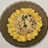 Біфстроганов з куркою та картопляним пюре (350г)