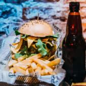 H2 guacamole burger + bebida